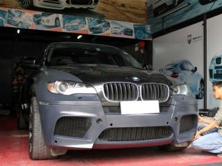 Обвес конвертация в BMW X6m для BMW X6 серии E71 (копия)