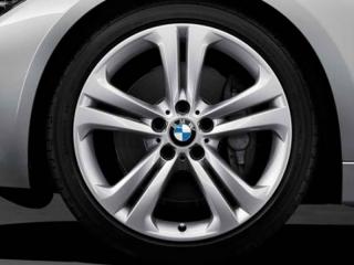 Комплект летних колес Double Spoke Silver 401 R19 для BMW 3 серии F30/31 и 4 серии F32/33/36