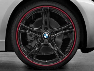 Комплект летних колес Double Spoke 361 R19 черного цвета с красным ободом для BMW 1 серии F20/F21 и 2 серии F22/F23
